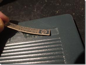 HP200LXのロゴプレートを剥がす